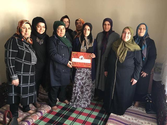 Karataylı kadınlar mahalle ziyaretinde