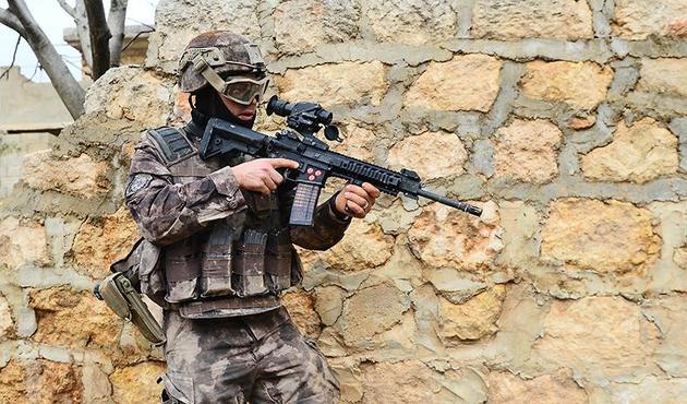 8 askerin şehit olduğu 1083 rakımlı Keltepe ele geçirildi!