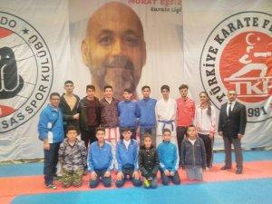 Seydişehir Belediyesporlu karatecilerden başarılı sonuçlar