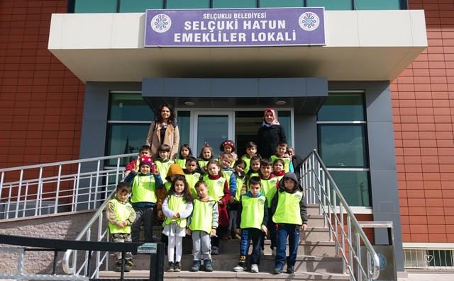 Fuat Altan Anaokulu Selçuki Hatun Emekliler Konağını Ziyaret Etti