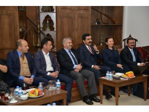 Başkan Bahçeci avukatlarla buluştu