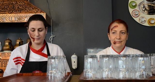 Restauranta girenler çalışanların halini görünce şaşırdı kaldı