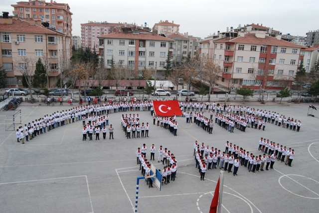"İsmail Hakkı Tonguç İ.H.O'da  ""ZEYTİN DALI"" koreografiyle Mehmetçiğe tam destek"