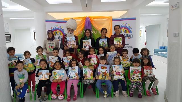 Öğretmen Fuat Altan Anaokulu'nda Kitap Fuarı Açıldı