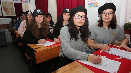 Lise öğrencilerinden Afrin kahramanlarına mektup