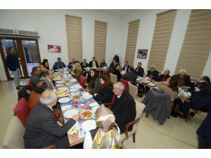 Gazetecilerden Belediye Başkanı Çetin'e ziyaret