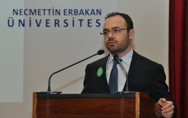 NEÜ'de Bağımlılığın Biyolojisi konferansı düzenlendi