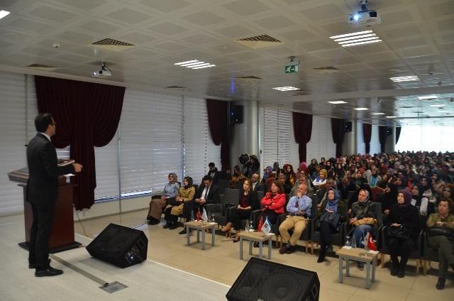 """6. Karatay Konferansları'nda """"Çocuk İhmal Ve İstismarı"""" Konulu Panel Düzenlendi"""