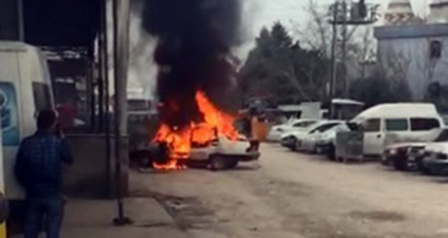 Tamirciye kızdı, kendi arabasını yaktı