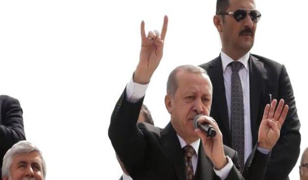 Cumhurbaşkanı Erdoğan'dan bozkurt selamı!