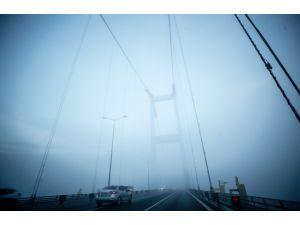 İstanbul güne yine sisle uyandı