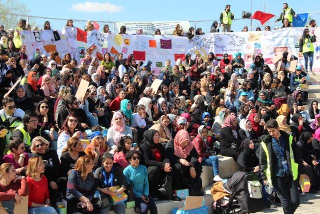 """Mülteci ve sığınmacı kadınlardan """"kadın bohçası"""""""