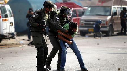 İsrail askerleri 11 Filistinliyi gözaltına aldı