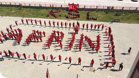 """Spor Lisesi öğrencilerinden """"Afrin"""" koreografisi"""