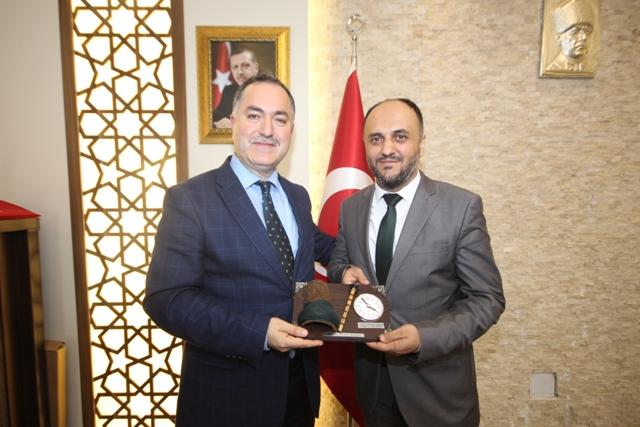 Özaltun'a Ülkü Ocakları Başkanı Gültekin'den nezaket ziyareti