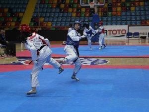 Taekwondo Milli Takımı Konya'da belirlendi