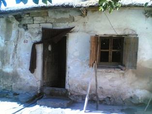 Taştan yapılmış hanay evler