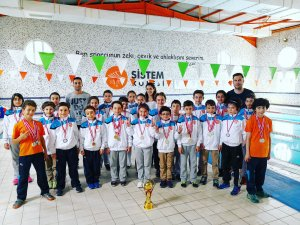 Sistem Koleji yüzmede Konya şampiyonu