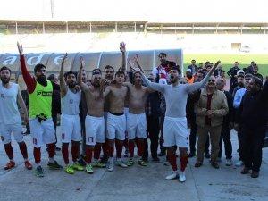 Akşehirspor mutlu