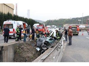 GÜNCELLEME 2 - Kocaeli'de trafik kazası