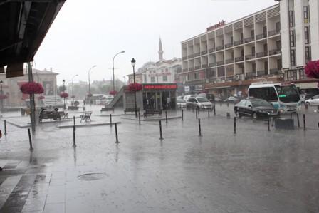 Serin ve yağışlı hava geliyor! Konya'da 5 günlük hava durumu!