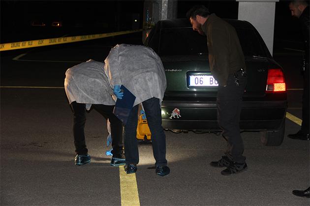 Konya'da park halindeki otomobilde silahlı kavga: 1 ölü