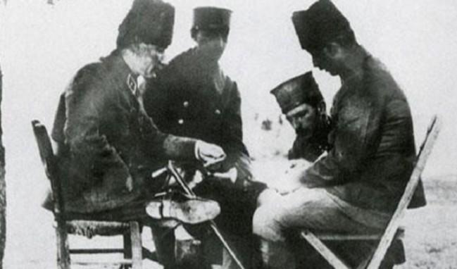 Atatürk'ün bu fotoğrafı iki ili birbirine düşürdü!
