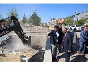 Başkan Aydın, yol çalışmalarına inceledi