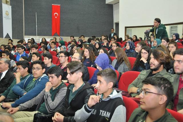 Selçuk Üniversitesi Kitap Fuarı Açıldı