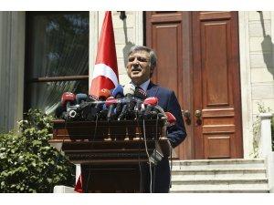 11. Cumhurbaşkanı Gül, gazetecilere açıklama yaptı