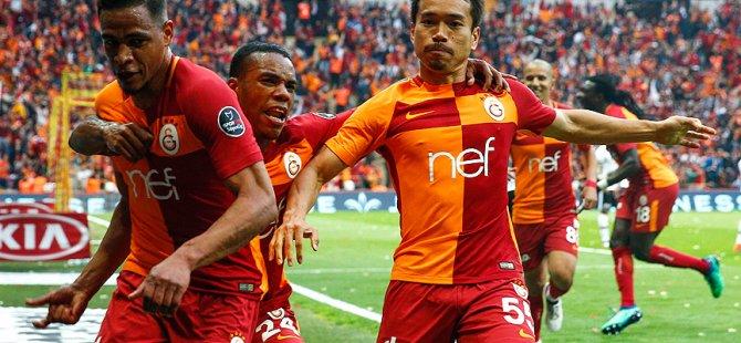 Galatasaray derbiye 11 yabancıyla çıktı