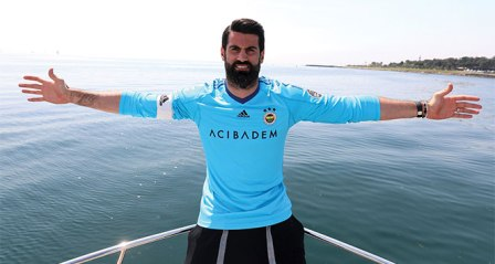 Volkan Demirel: 'Beşiktaş'ın bu tavrı futbolu gölgede bırakıyor'
