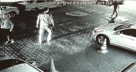 Döner bıçaklı saldırgan güvenlik kamerasında
