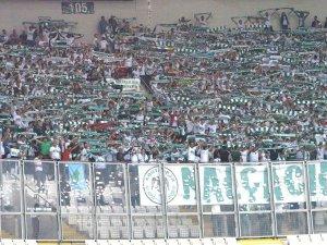 Konyaspor taraftarı Bursa'da takımını yalnız bırakmadı