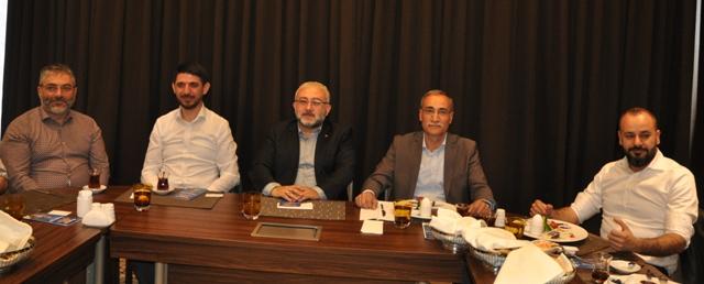 AK Parti'nin etrafında kenetlenme zamanı