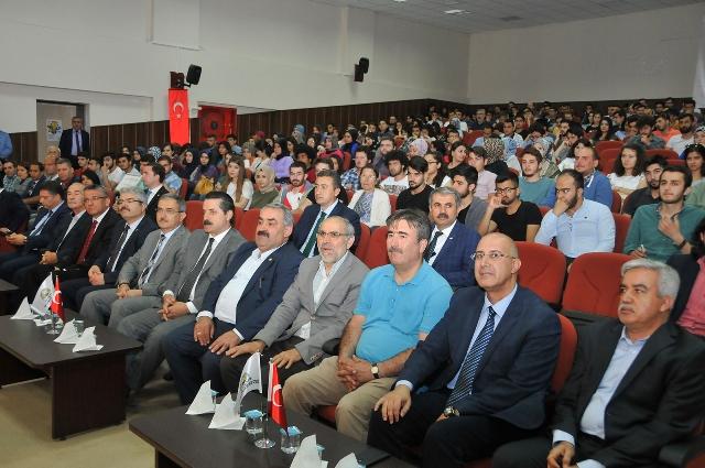 """Selçuk'ta """"Tarım, Ekonomi ve Modernizasyon"""" Konferansı Yapıldı"""