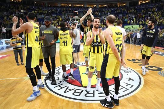 Fenerbahçe Doğuş, 9. şampiyonluğa çok yakın
