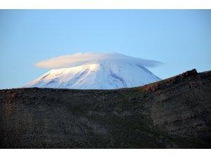 """""""Türkiye'nin çatısı"""" sis bulutuyla büyüledi"""