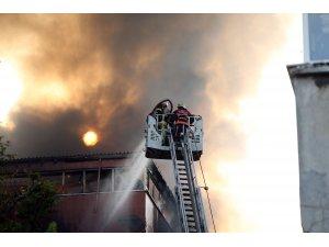 GÜNCELLEME - İstanbul'da fabrika yangını