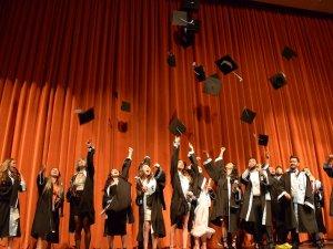 SÜ Dilek Sabancı Devlet Konservatuvarı'nda mezuniyet heyecanı