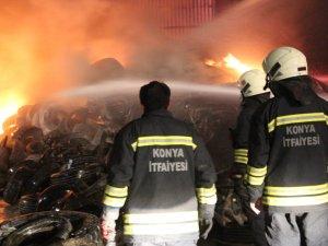 Konya'da lastik deposunda korkutan yangın