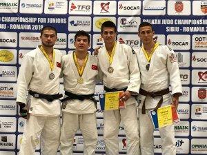 NEÜ'lü genç judocu ödülle döndü