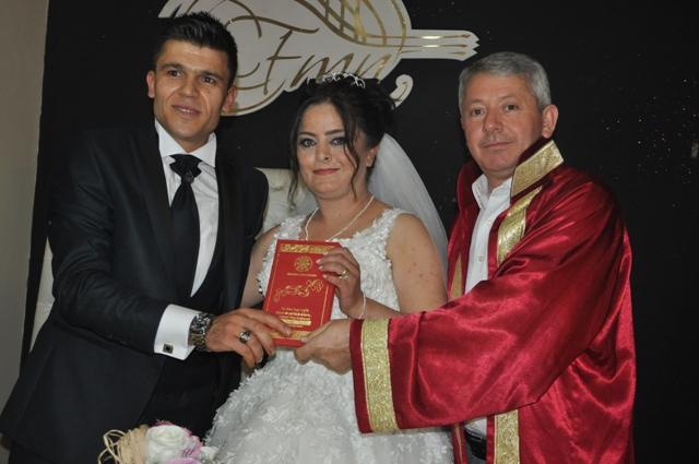 Alev İle Harun evlendi