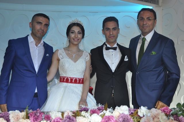 Ayşe ile Murat'ın mutlu günü