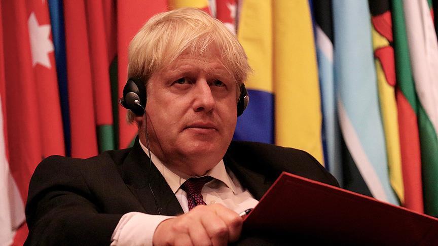 """İngiltere Başbakanı Johnson'dan halka çağrı: """"Ben mi yoksa Jeremy Corbyn'i mi?"""""""