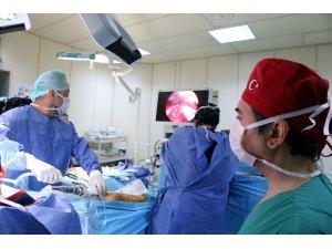 Baypas için damarı endoskopik yöntemle çıkardılar
