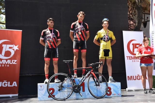 15 Temmuz Şehitlerini Anma Ulusal Bisiklet Yol Yarışına Konya damgası