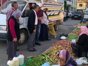 Başkan Tutal pazarcı esnafı ile buluştu