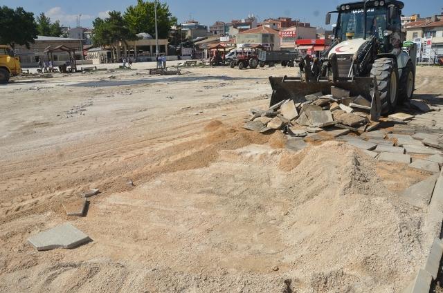 Ulu Cami Meydanı yenileniyor