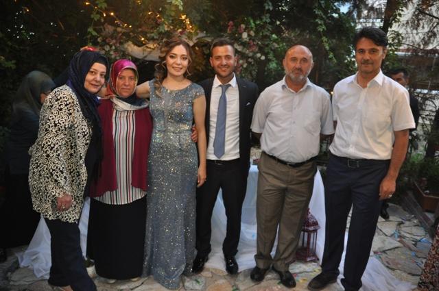 Kübra ile Muhammet nişanlandılar